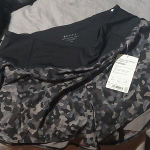 NWT Athleta running free Camo shorts